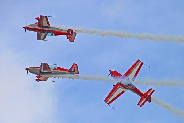 Royal Jordanian Air Force \'Falcons\' display team by jeremyc