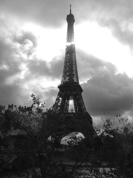 paris at dusk by tom9005