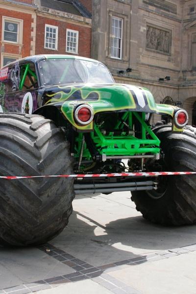 monster truck by jimbob5643