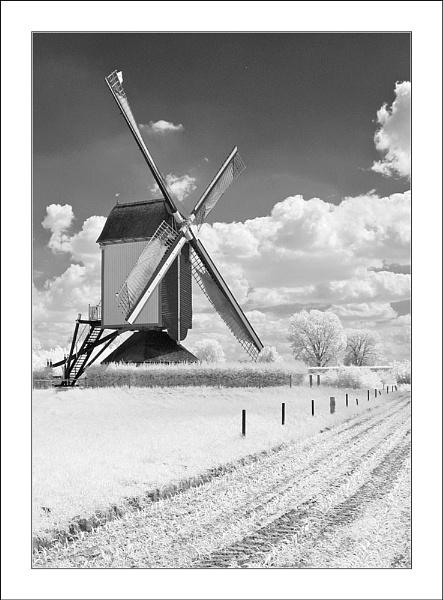 Zeldenrust Windmill, Overasselt IR by conrad