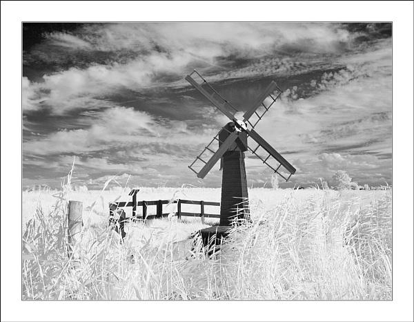 Tiny Windmill IR by conrad