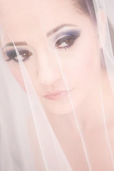 Alexandra bride portrait by scata