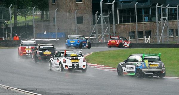 Mini challenge at Brands Hatch by BERTRAM