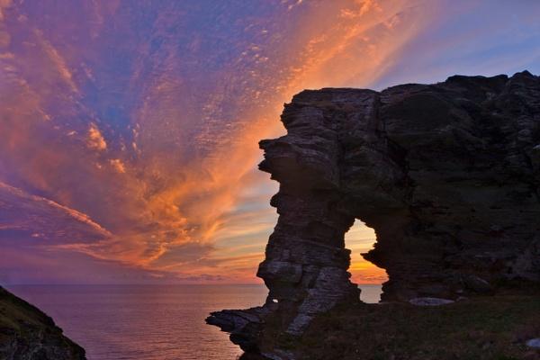 Cornwall Sunset by oldbarrowboy