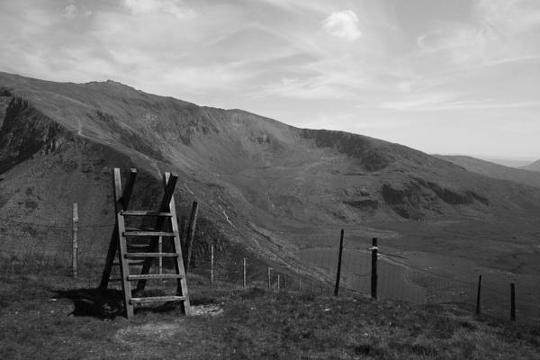 Snowdon awaits by ian9106