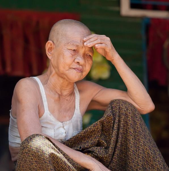 Khmer Woman by dvdrew