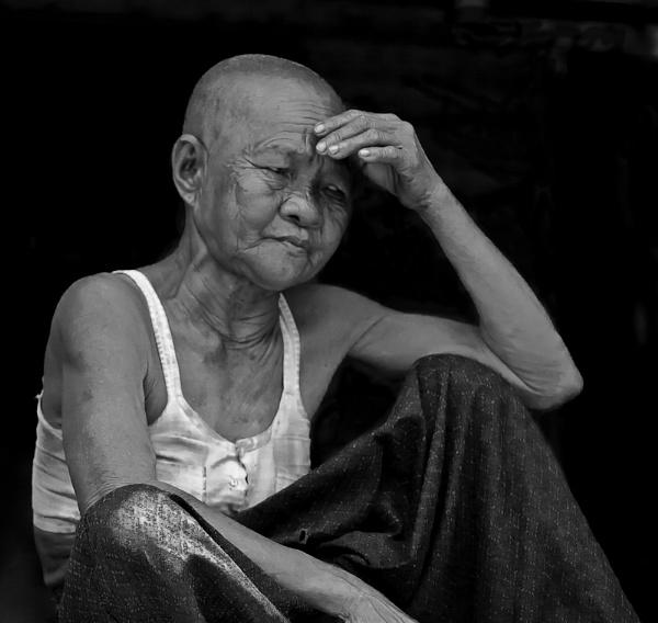 Khmer Woman (b&w version) by dvdrew