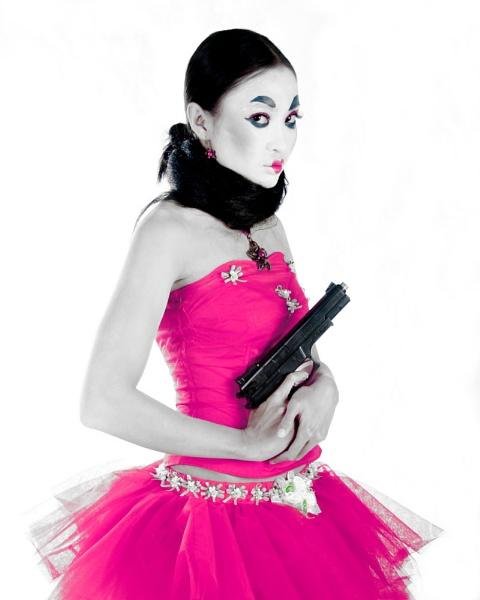 Mrs Pinky by mbeghidaxz