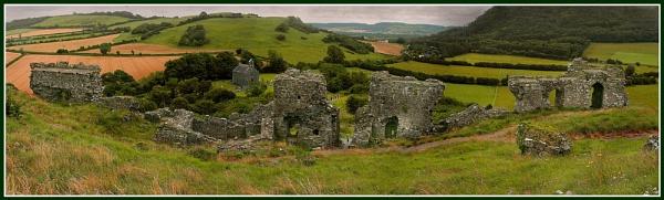 Ruins by Heffo1