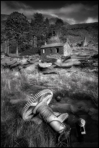 Llyn Cwmorthin by IanFlindt