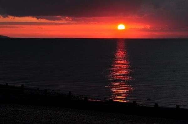 Sunset at Herne Bay Kent by geoffmilner