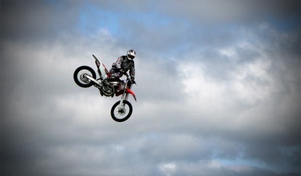 Motorbike Stunt by THE_HIGHLANDER96