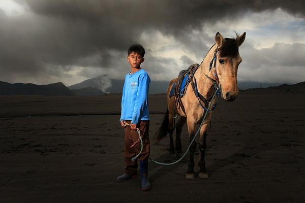 Mount Bromo\'s Kid by perakman