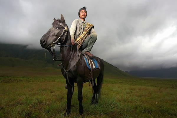 Bromo\'s Horseman by perakman