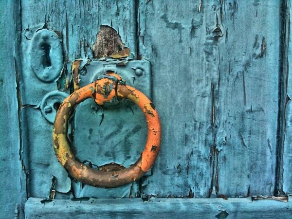 rusty knocker by Lucy_Locket