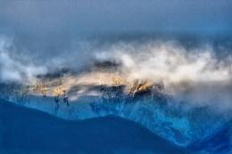 Mist Into Air Dissolving
