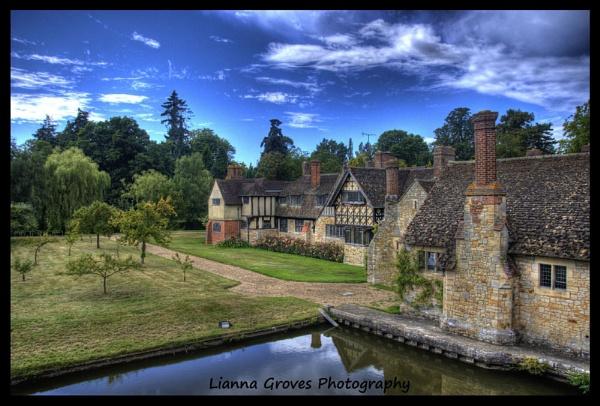 Hever Castle by lianna