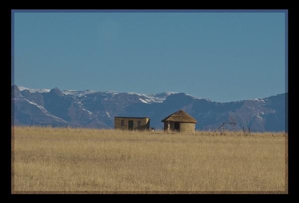 Snowy Hut by Msalicat
