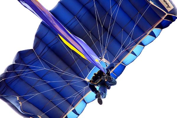 Parachute Man by marathonman2