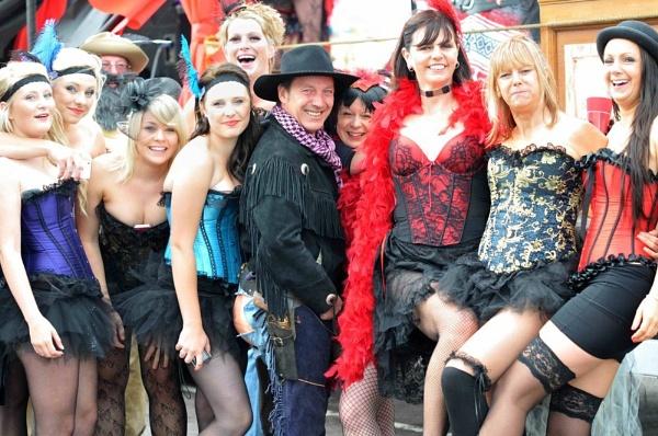 Weymouth Carnival Fun by isambard