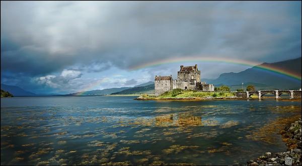 Eilean Donan Castle by MikeH