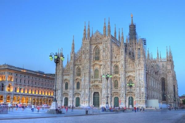 Duomo at sunset, Milan, Italy by paulvo