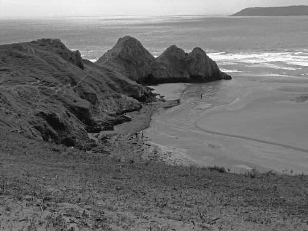 Three Cliffs B&W by ross15775