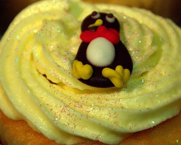 Penguin by EventHorizon