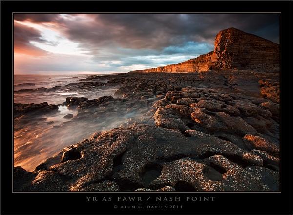 Golden Coast by Tynnwrlluniau