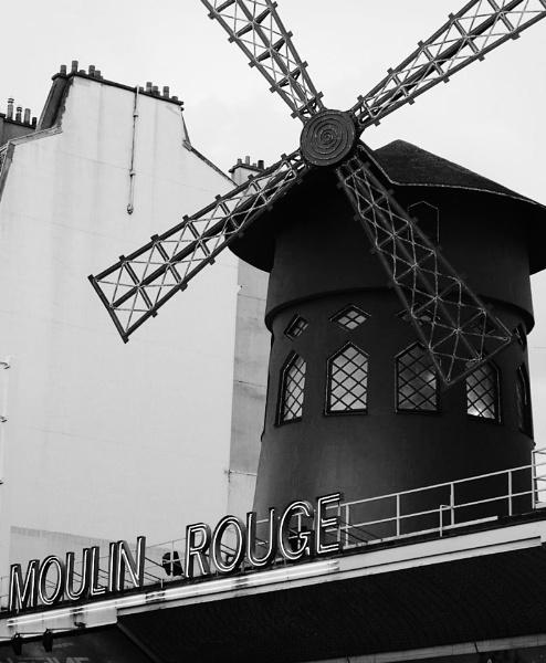 Le Moulin Rouge by jessikerr