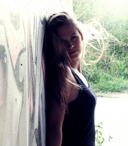 my sisterr by toniiixx