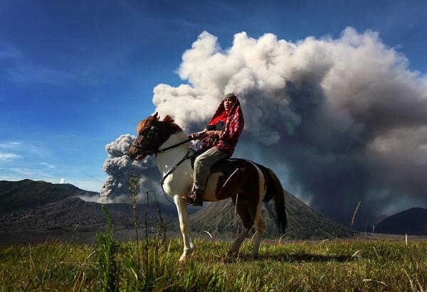 Bromo\'s Rider by perakman