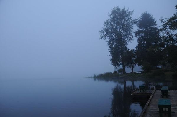 Misty morning by StuartDavie