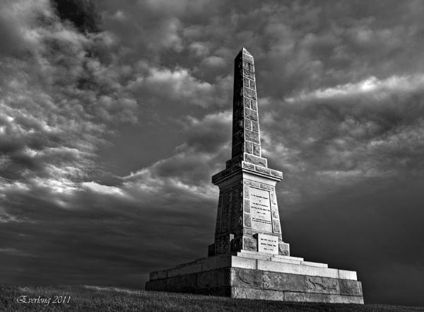 Strathaven War Memorial. by DalePow