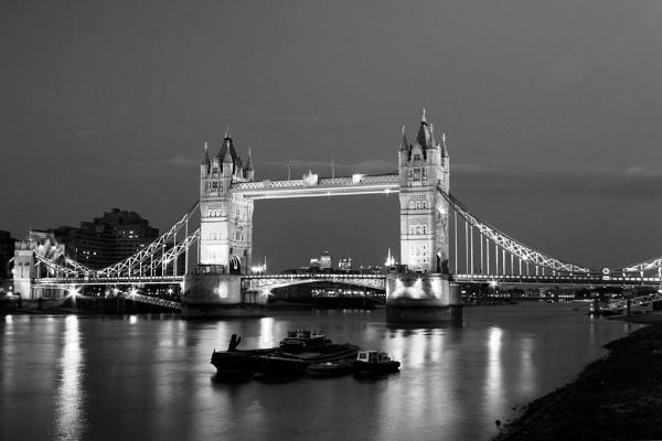 Tower Bridge - London by Kandung