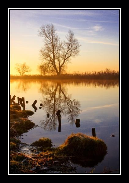 Frosty Morning Sunrise by ACBPHOTOGRAPHY