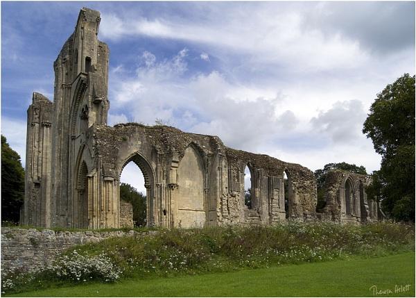 Glastonbury Abbey by AshTree