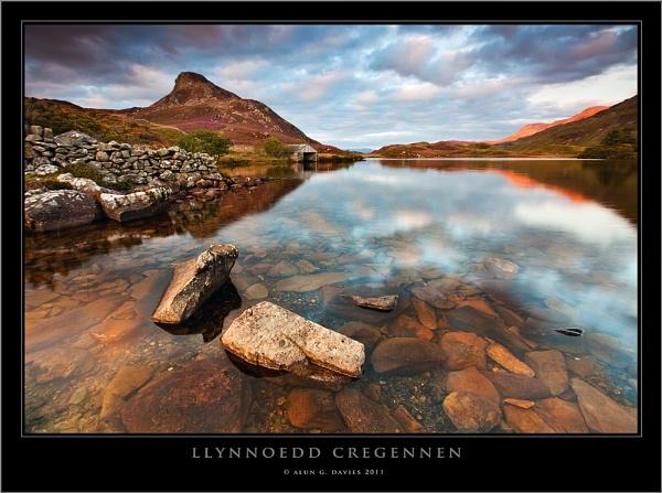 A wider view of Cregennen by Tynnwrlluniau