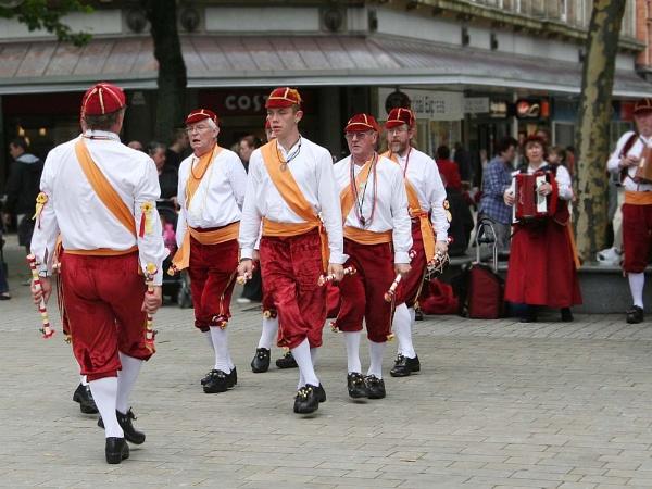 Morris Dancers by francisg
