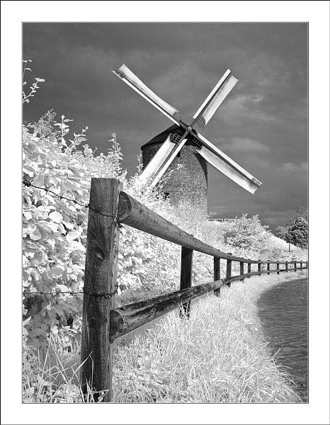 Zeddam Windmill IR by conrad