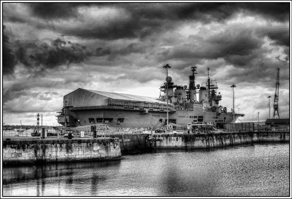 HMS Illustrious by Jacobite