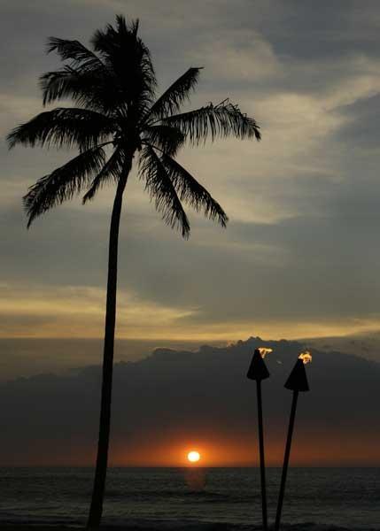 Hawaiien Sun Set by eagleheadphotos
