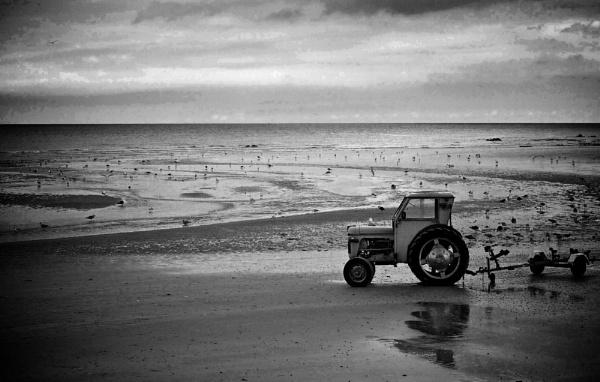 Low tide by Glen-W