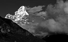 Ama Dablam (Napal) - 6856m
