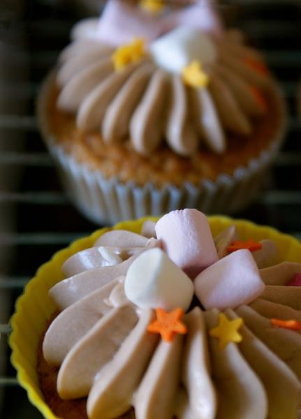 Hot Chocolate Cupcakes by RachelMB