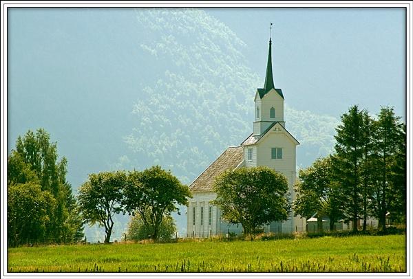 Norwegian Church by fentiger
