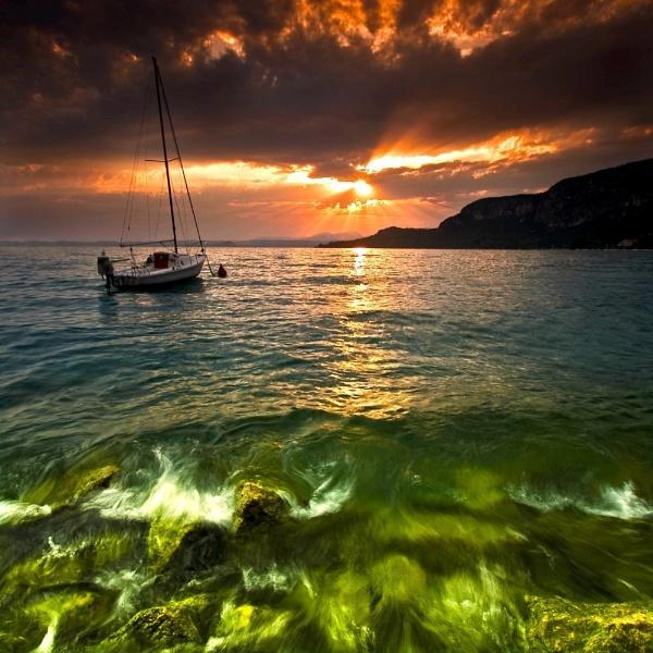 Lake Garda Sunset by braddy
