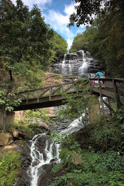 Amicalalola Falls by photodoktor