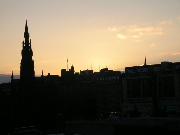 Edinburgh, Absorbing Sunlight by Jenzer