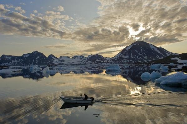 Inuit sealer goes hunting by dakasuju